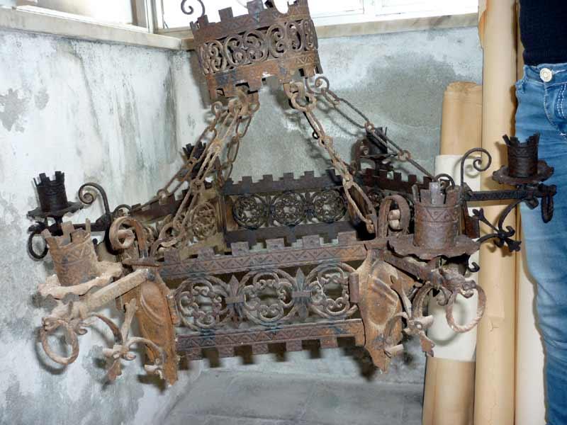 Lampadario candeliere in ferro battuto